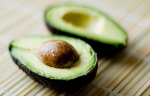avocado-and-mayo-mask_best-home-made-hair-masks